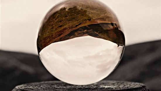 13-The-Valley-Through-a-Crystal-Ball-derbyshire-550x312 Trending