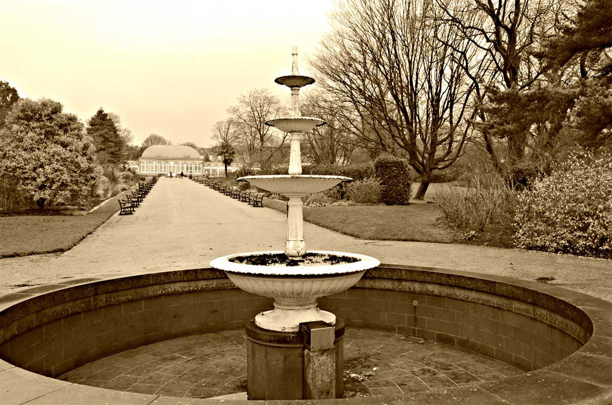 15. Fountain in winter- sheffield