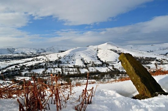 2.-View-Over-to-Lose-Hill-and-Mam-Tor Win Hill Pike – A snow covered pimple