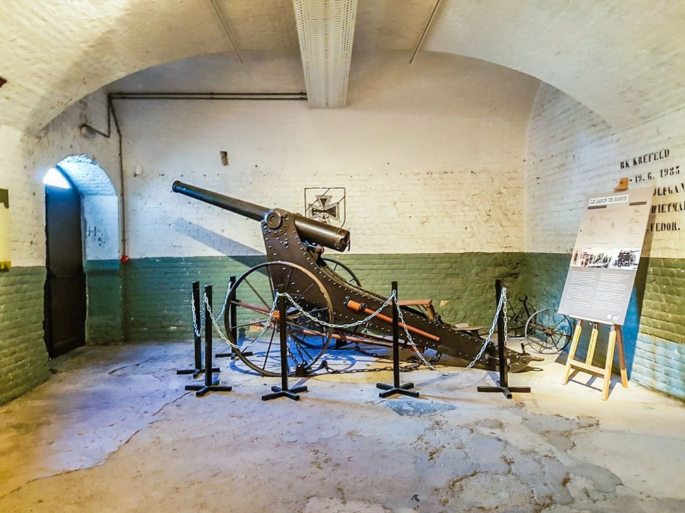 Heavy-gun-at-Fort-des-Dunes Fort Des Dunes - Northern France