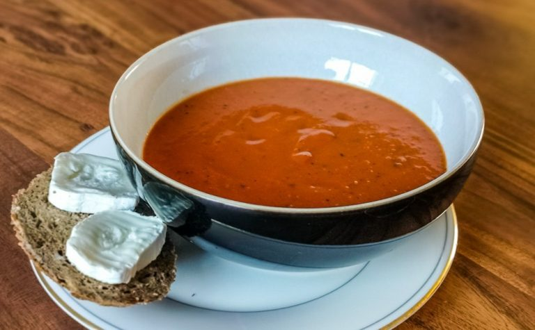 Roast Tomato and Red Pepper Superfood Soup