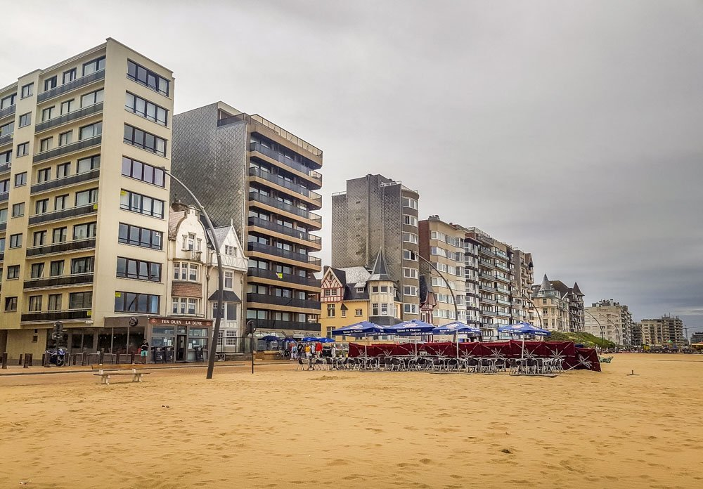 The-promenade-at-De-Panne_ Walking in Belgium – De Panne Beach Sunsets and Horses