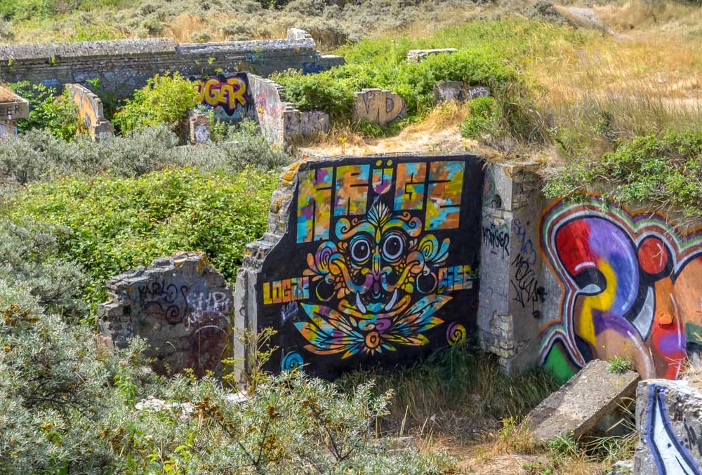 History-nature-and-graffiti-art Blockhouses and Graffiti Art of Leffrinckoucke Beach