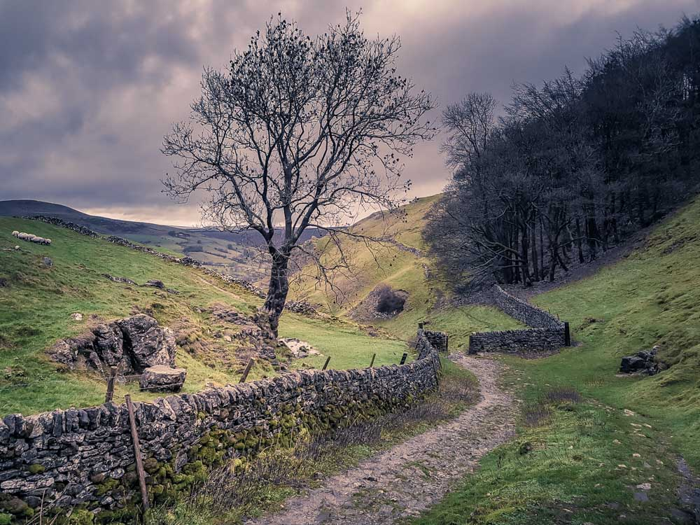 Limestone-Way Cave Dale Walk, Rugged and Scenic – Castleton, Peak District
