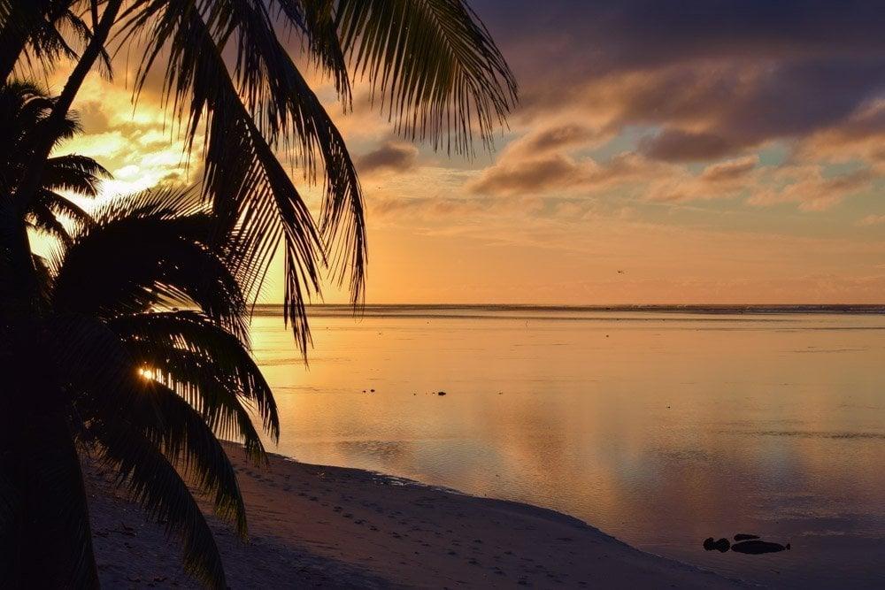 RaroBeach-Sunrise Rarotonga, Cook Islands - Pacific Paradise