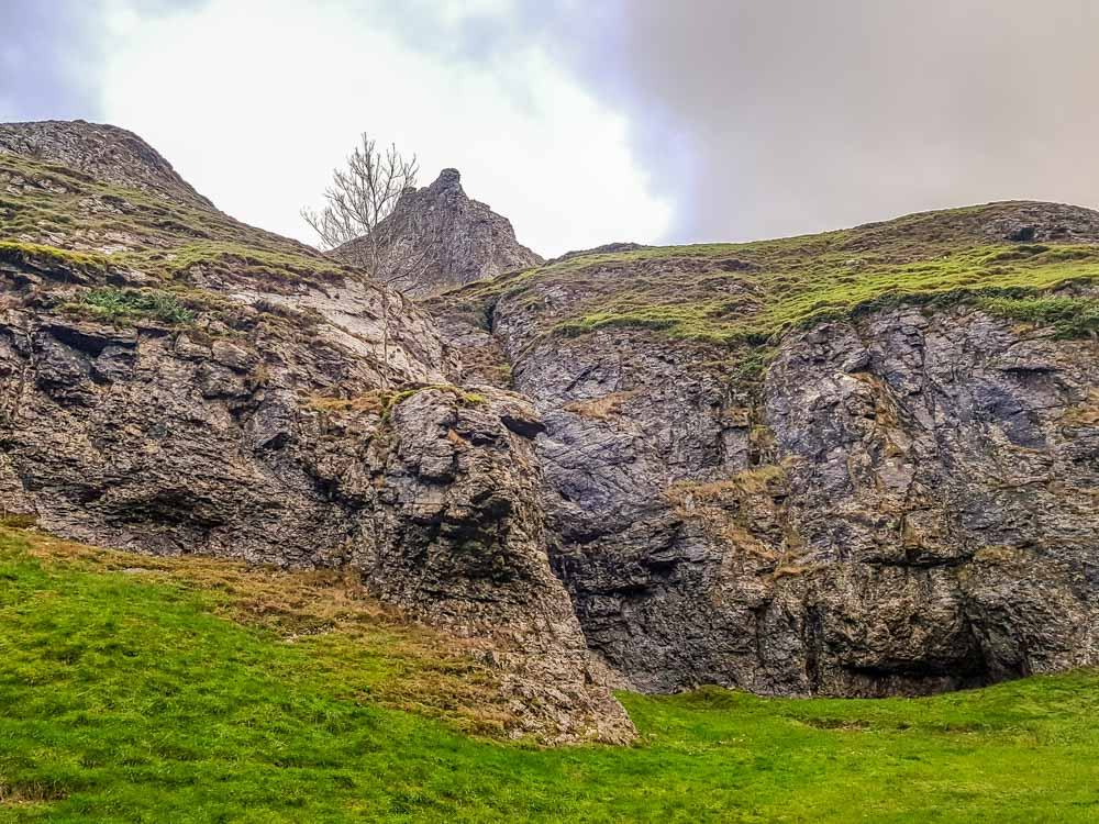 Rock-formations-Cavedale-pic Cave Dale Walk, Rugged and Scenic – Castleton, Peak District