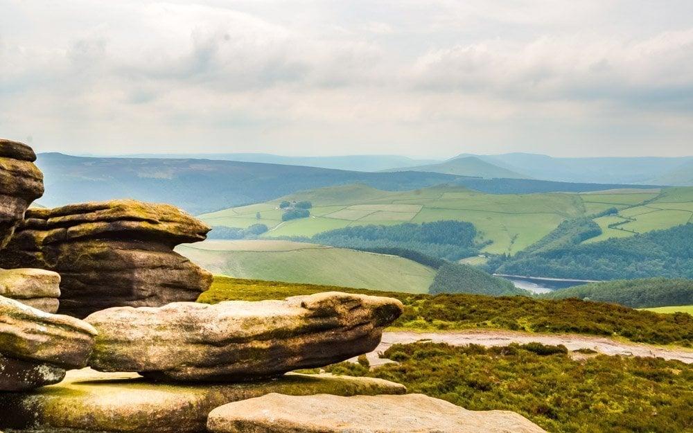 Derwent-Edge Walking to the Wheel Stones on Derwent Edge – Peak District