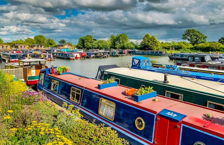 A Canal Boat Holiday In Wiltshire