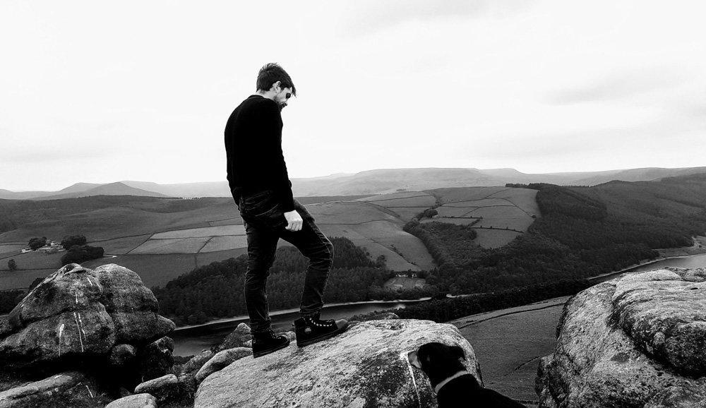 James-on-Derwent-Edge Walking to the Wheel Stones on Derwent Edge – Peak District