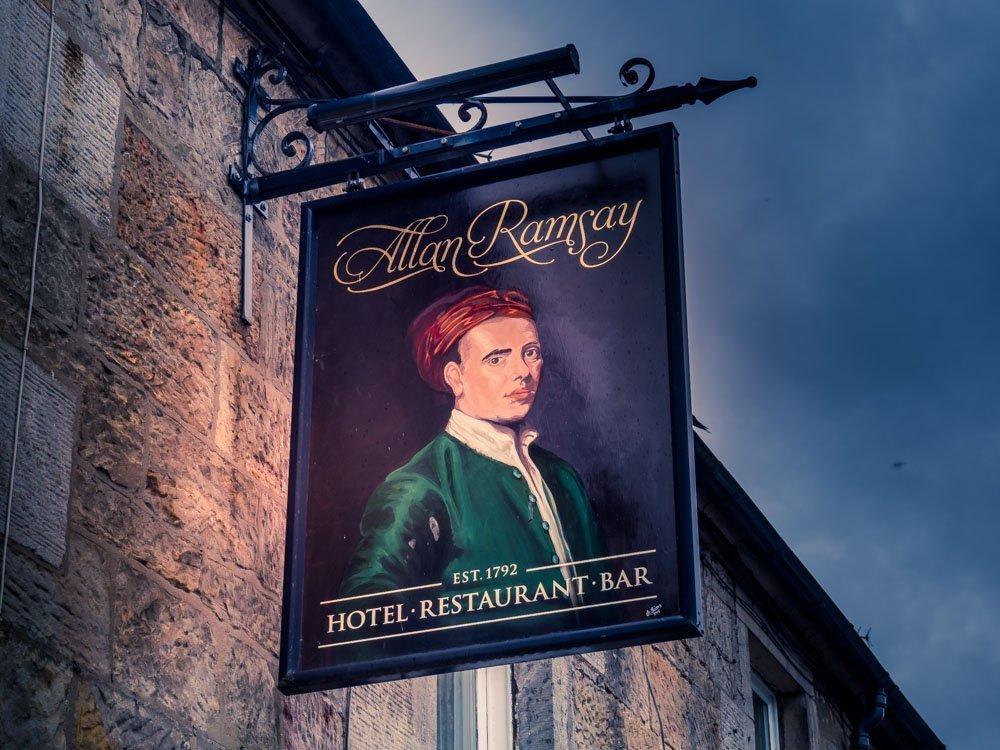 P5260817 The Allan Ramsay Hotel - Scotland's Literary Pub