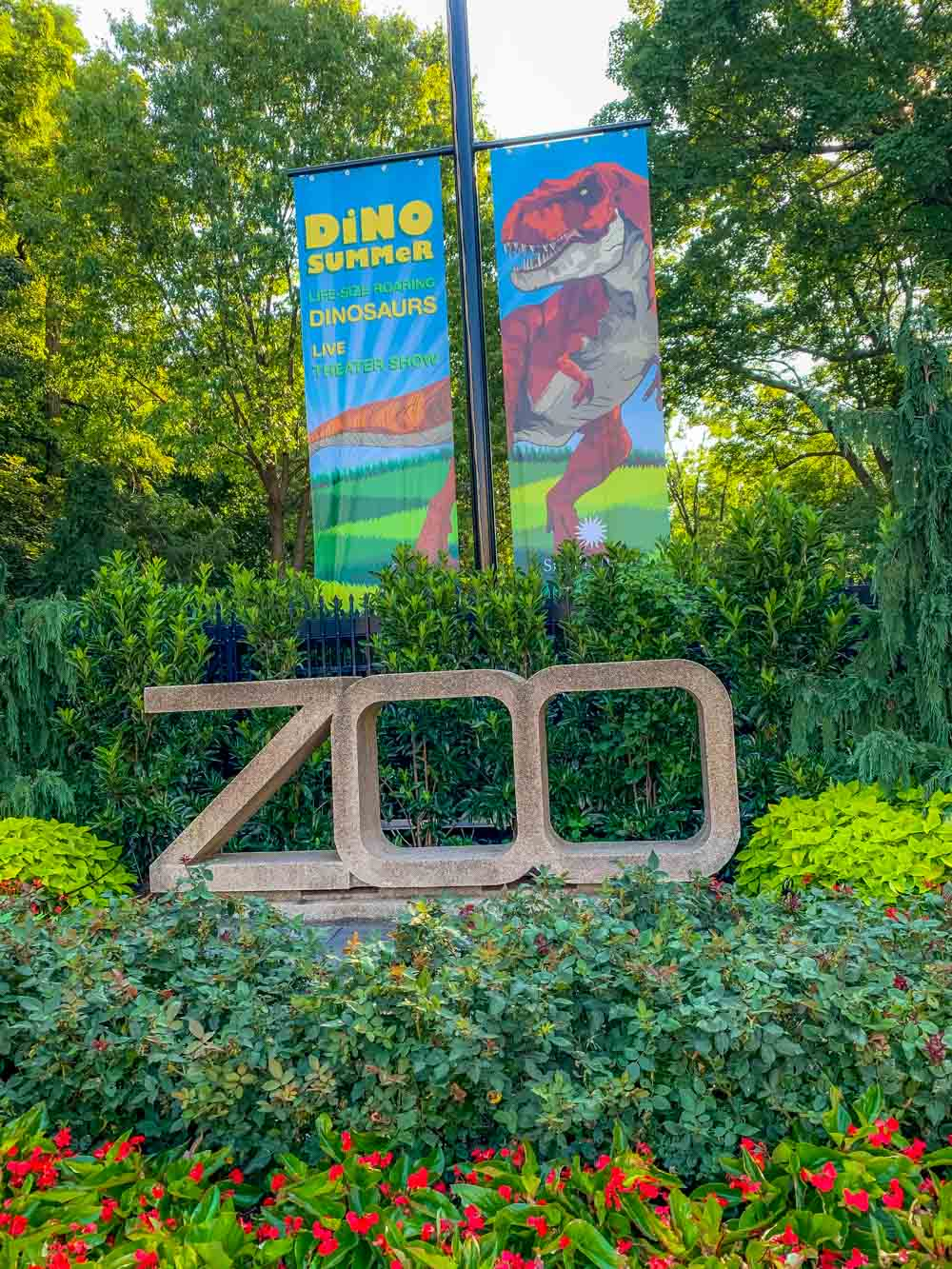 Smithsonian National Zoological Park sign