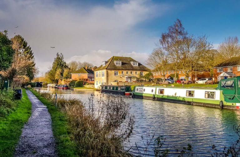 A Hungerford Walk Beside The Kennet & Avon Canal