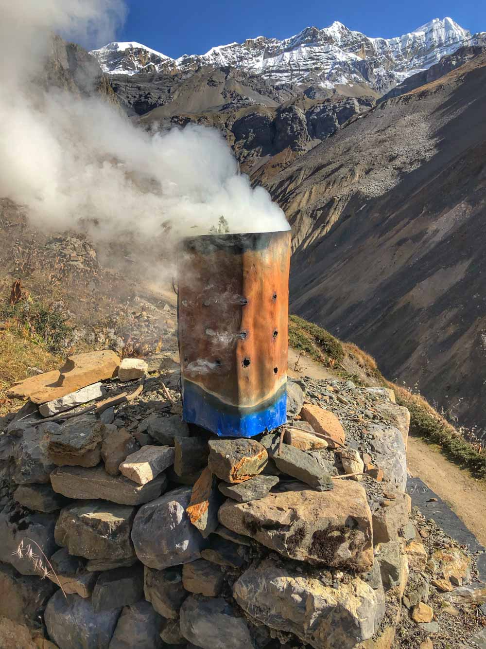 Mountain-offering Annapurna Circuit, Nepal - Part II: Apple Pie to Beyond Acclimatisation