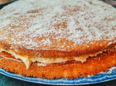 Easy Victoria Sponge Cake - A Sweet Recipe