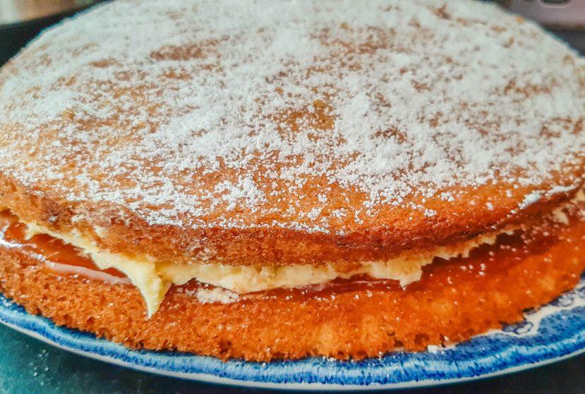 Easy Victoria Sponge Cake recipe