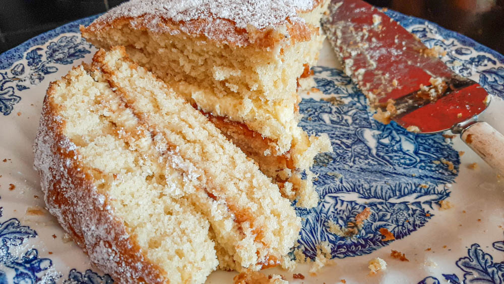 Easy Victoria Sponge Cake – A Sweet Recipe