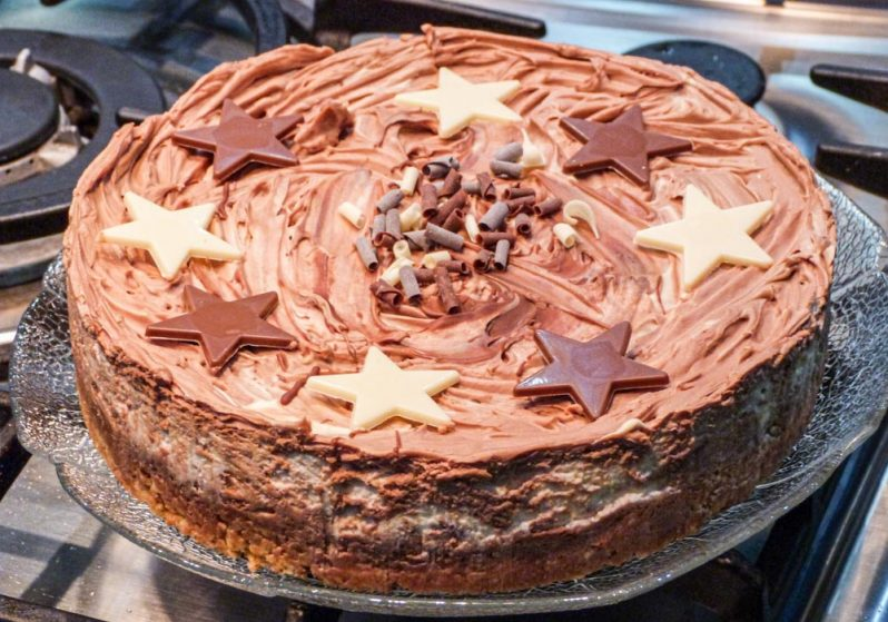 Deliciously Easy and Quick Chocolate Cheesecake