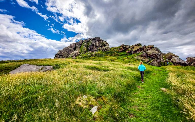 Almscliffe Crag – Exploring Above Lower Wharfe Valley