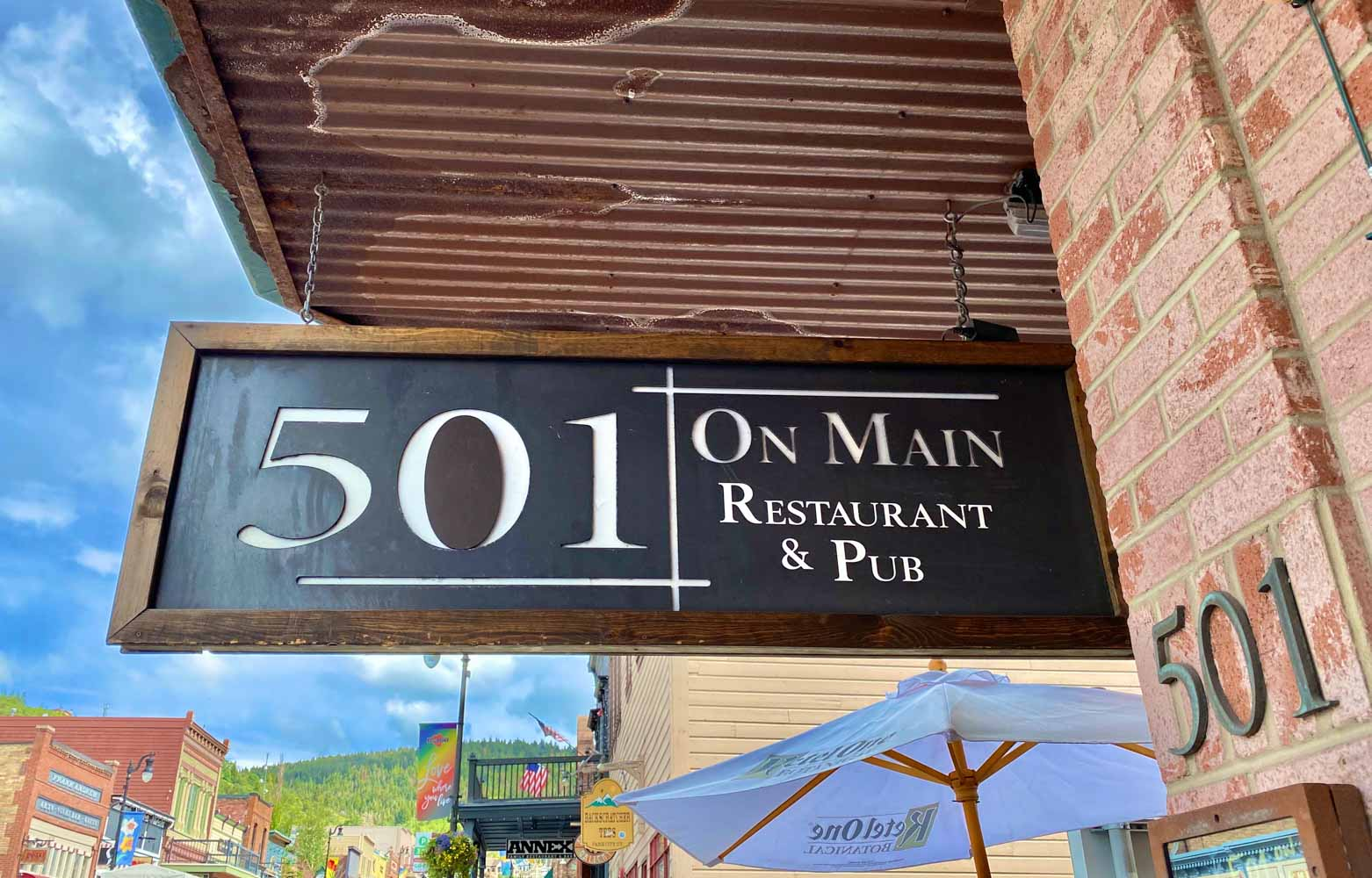 501 Main and 350 Main are two delectable restaurant options