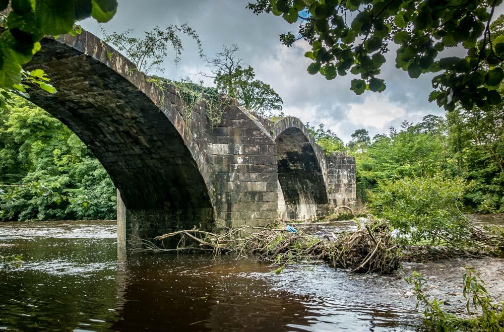the ancient packhorse bridge arches