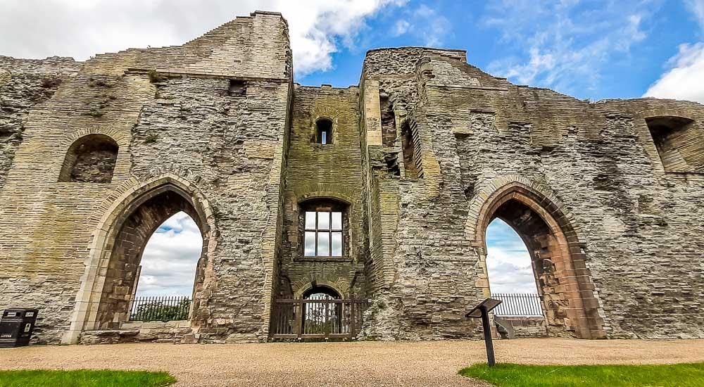 castle wide angle