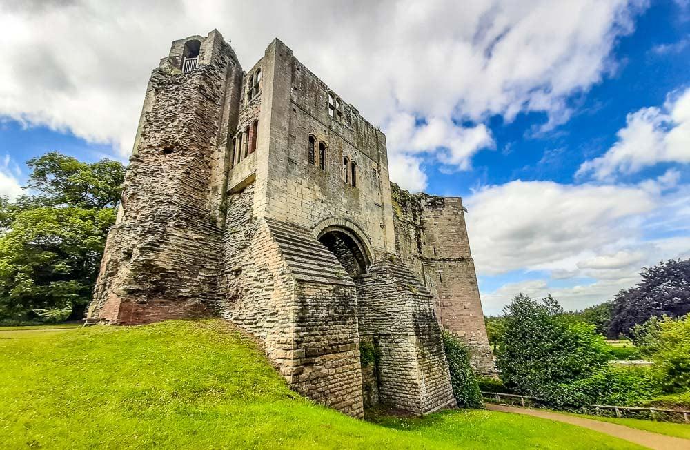 Newark Castle – History Beside the River Trent