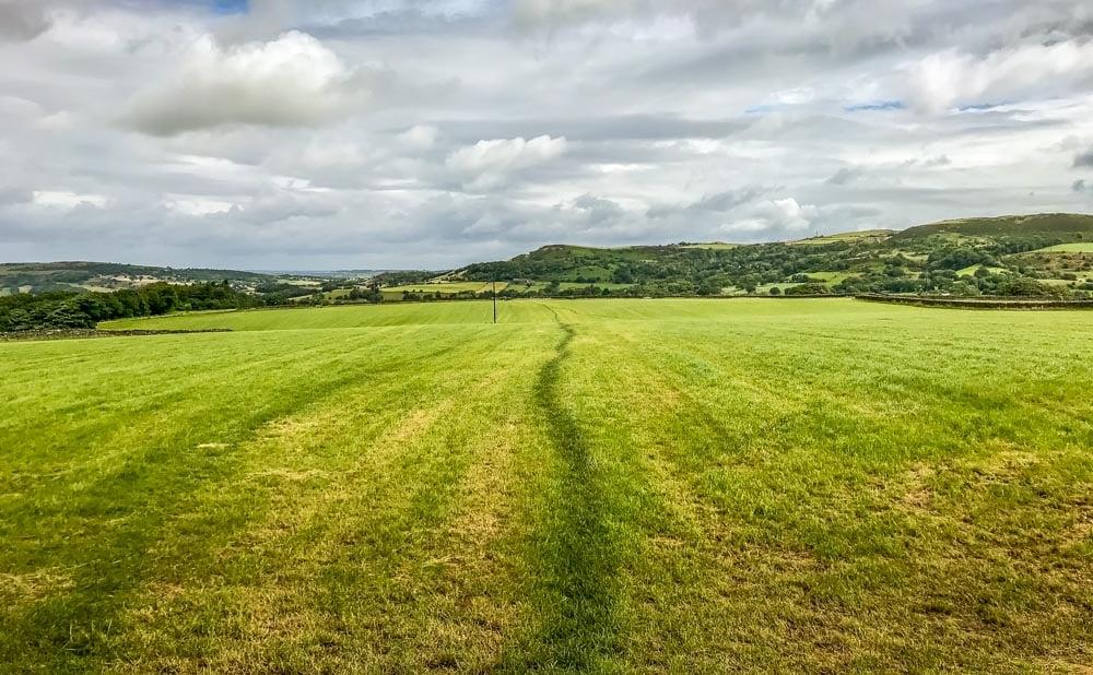 path into Hepworth village