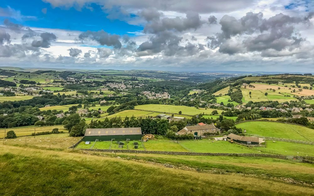 views over west yorkshire on the holme valley circular