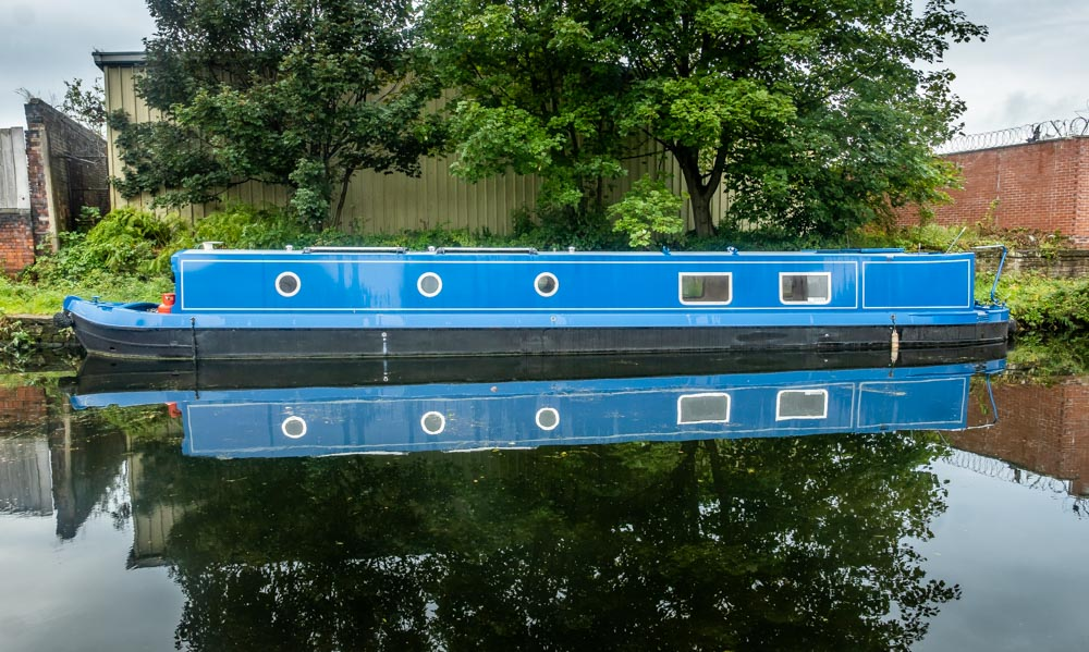 canal boat kirkstall