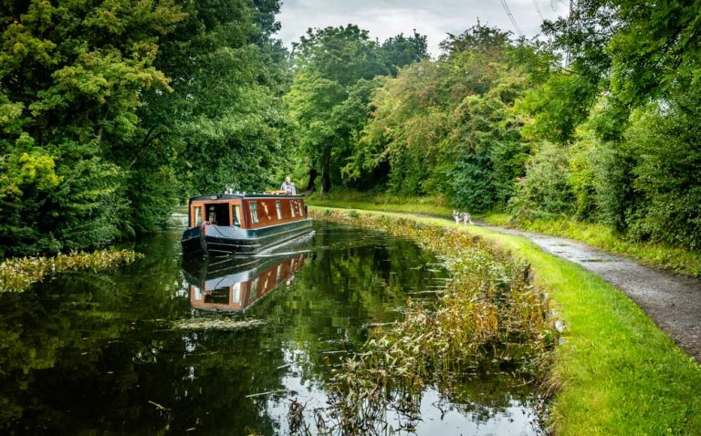 Leeds & Liverpool Canal Walk – Out To Bingley From Leeds