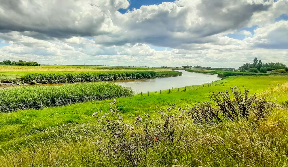 Riverside walk on the Lincolnshire fens