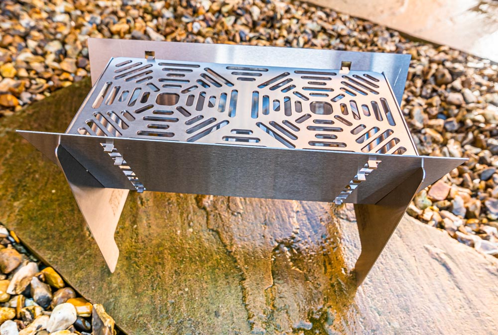 L1021159 Fire Trough Stove By Richard Outdoors - Flat Pack Flexibility