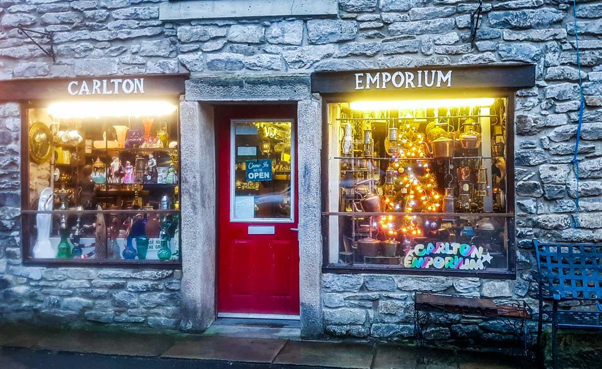 Bespoke-Castleton-shops Castleton at Christmas, Family Memories
