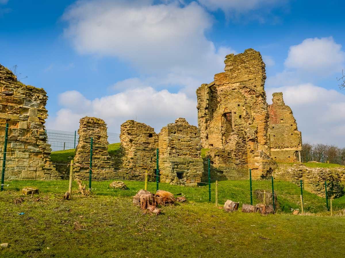 Castle-Ruin Codnor Castle, A Walk With History