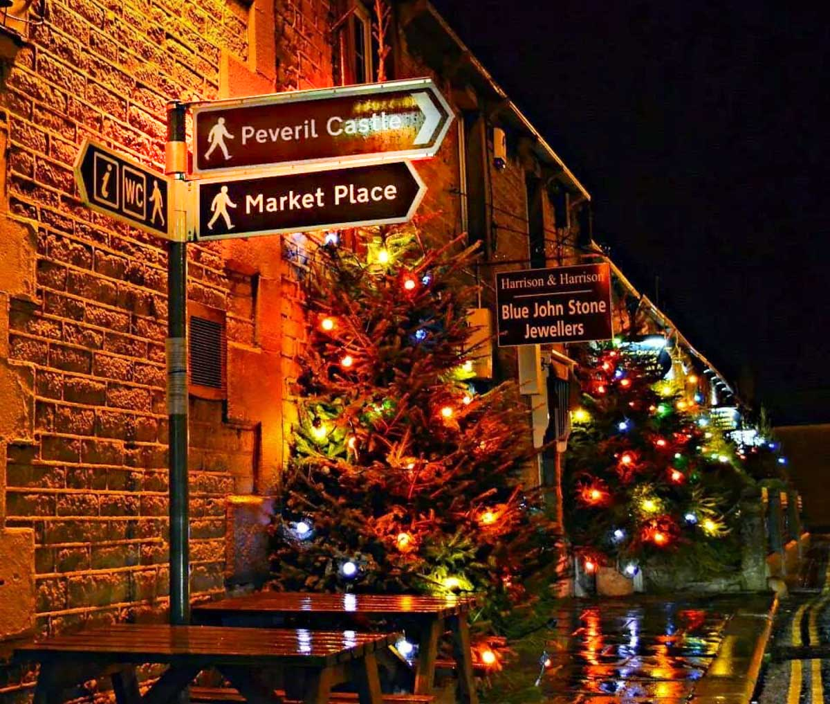castleton sign at night