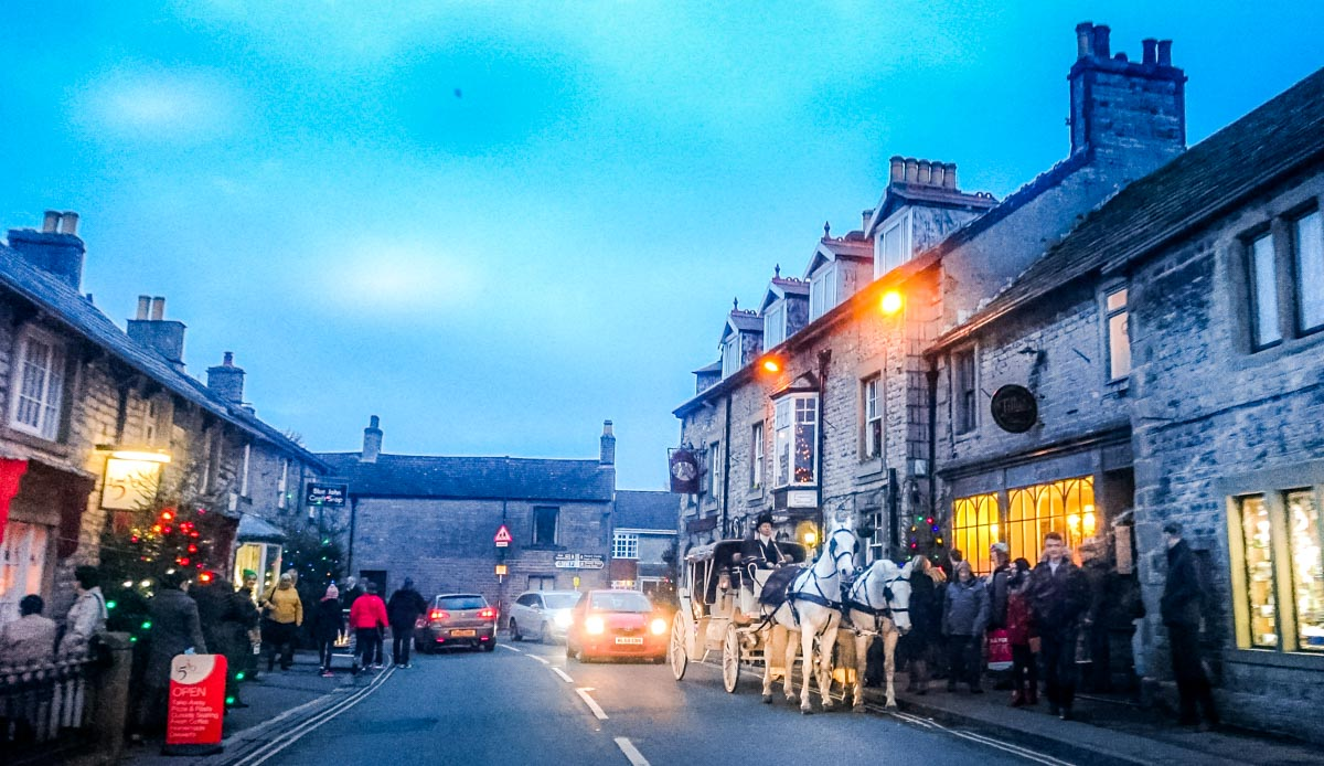 Castleton-Christmas-and-horse-drawn-carriage Castleton at Christmas, Family Memories