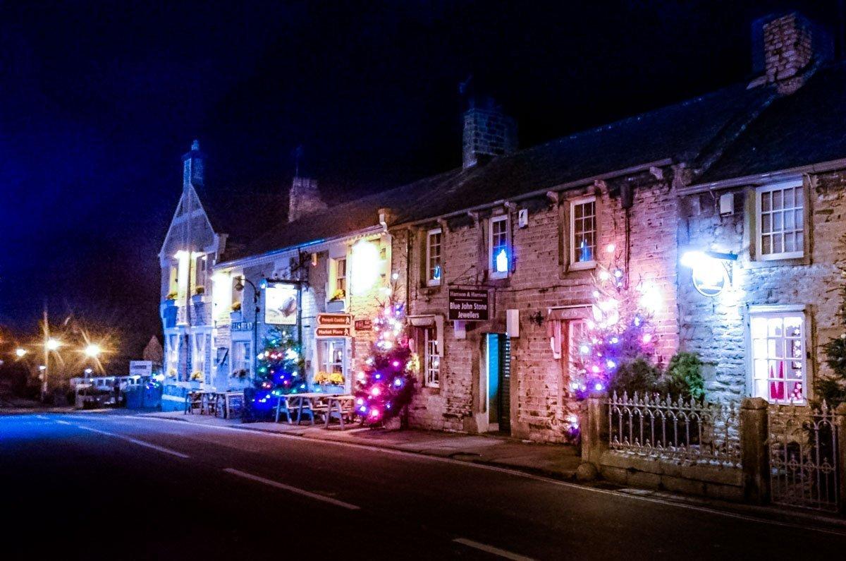 Christmastime-UK-Derbyshire-village Castleton at Christmas, Family Memories