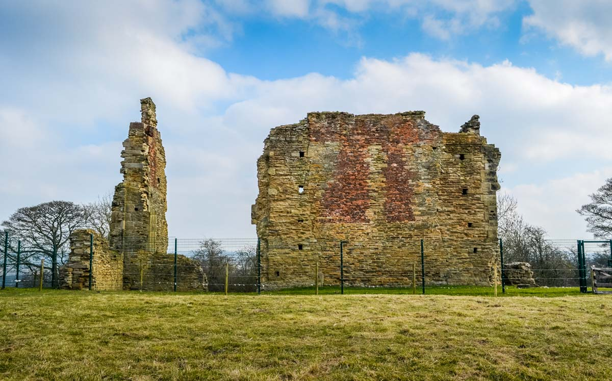 Ruins-of-Codnor-Historic-Castle Codnor Castle, A Walk With History