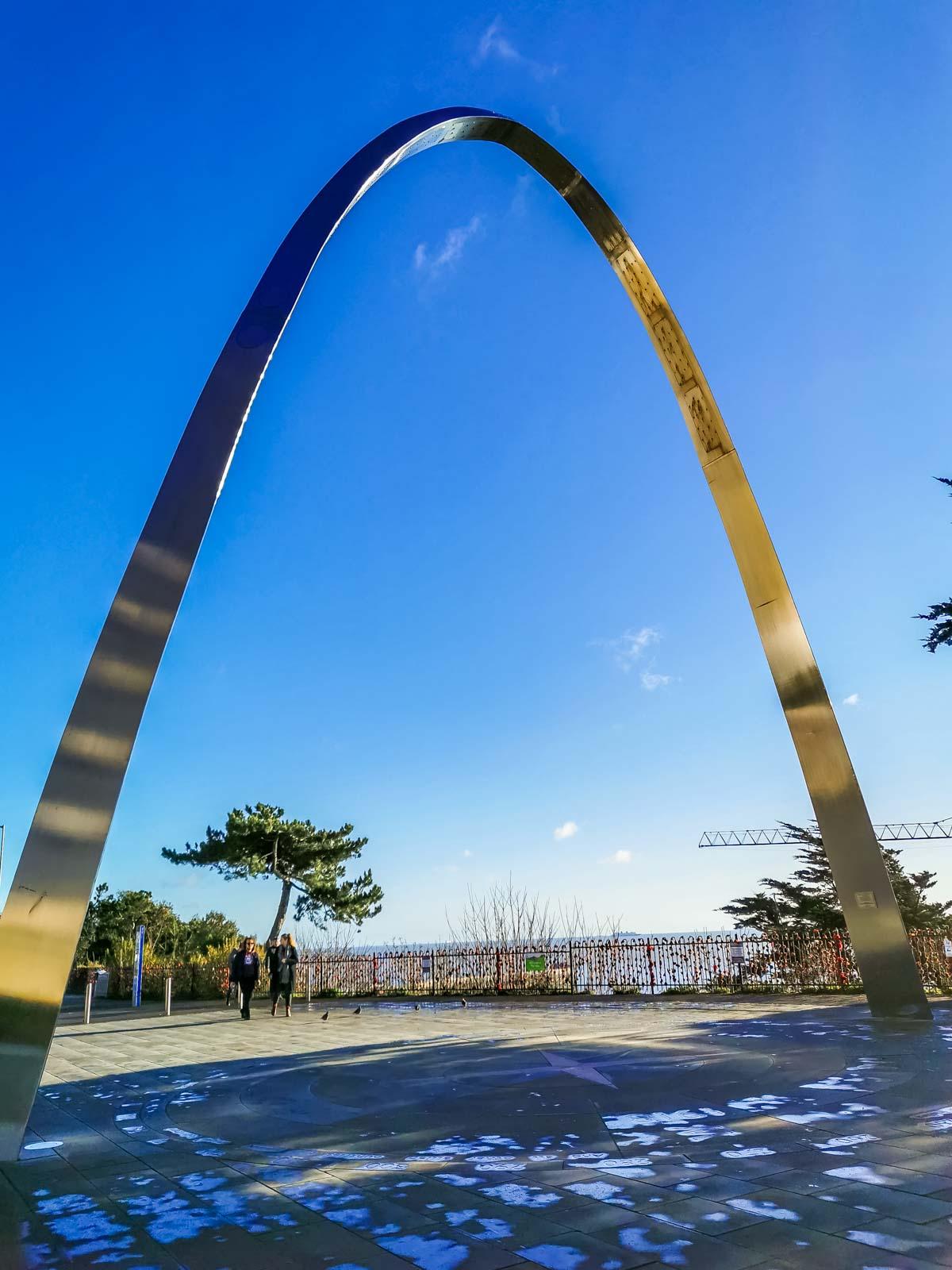 memorial arch at folkestone