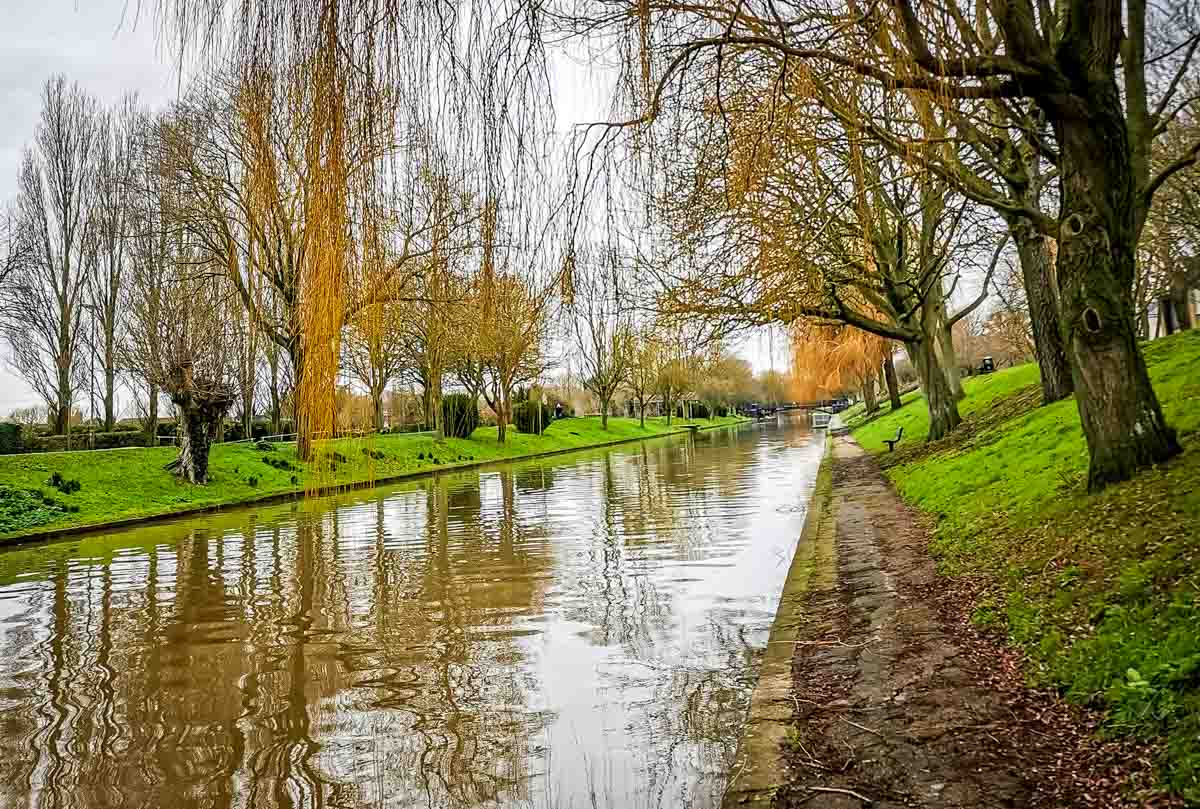 military canal walk in kent
