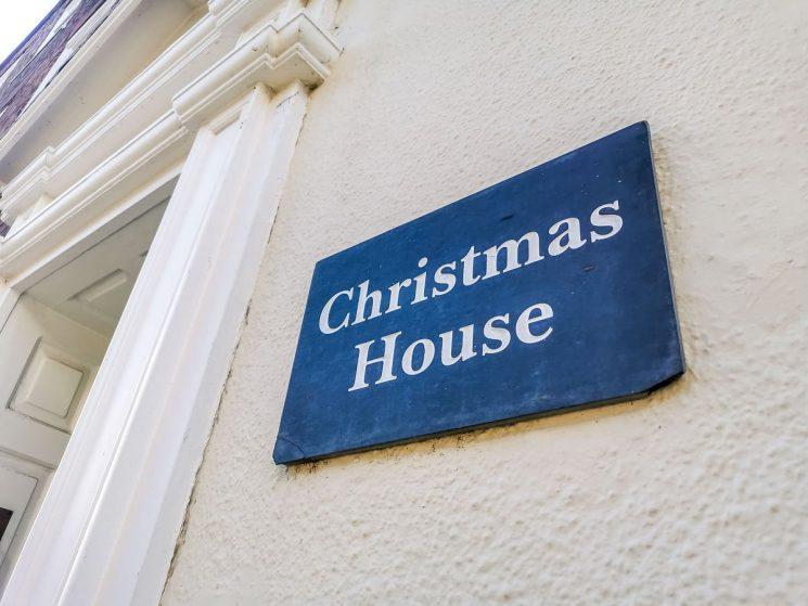 House name Deal Christmas House