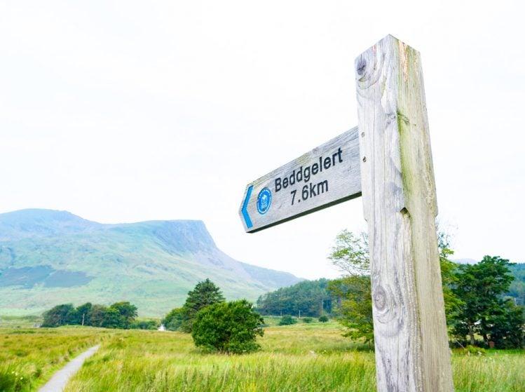 Nantlle ridge - Beddgelert sign and Y Garn