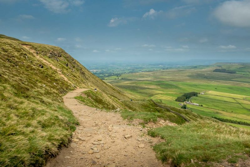 the path down pendle hill