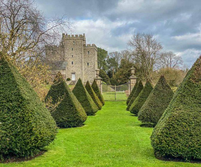 castle garden hedges