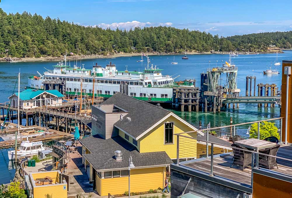 Ferry at Friday Harbor dock