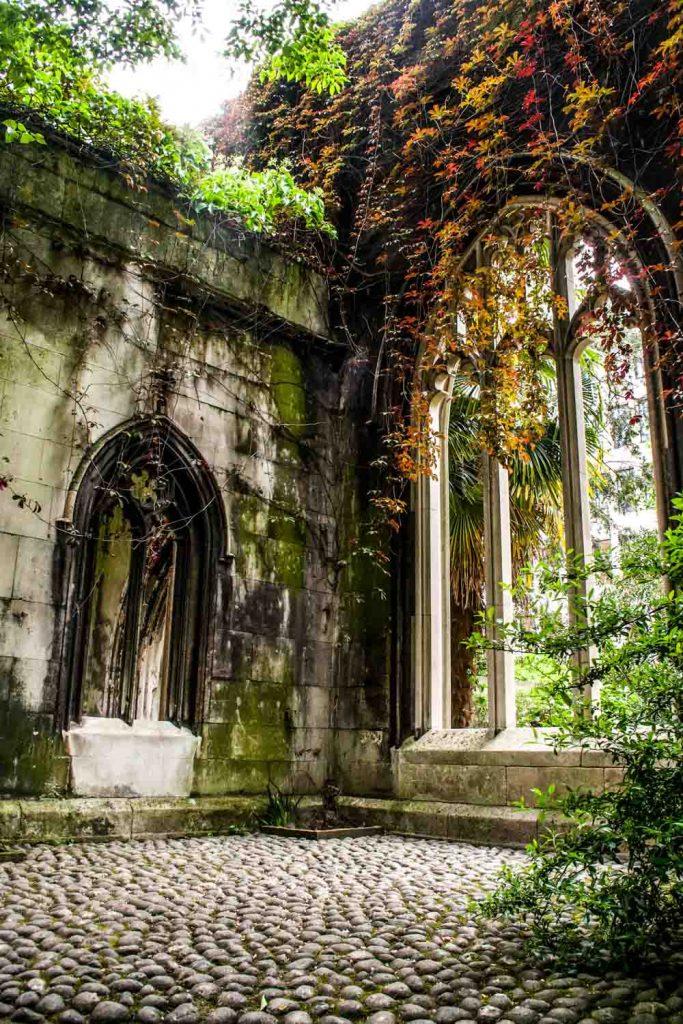 St Dunstan in the East ruins