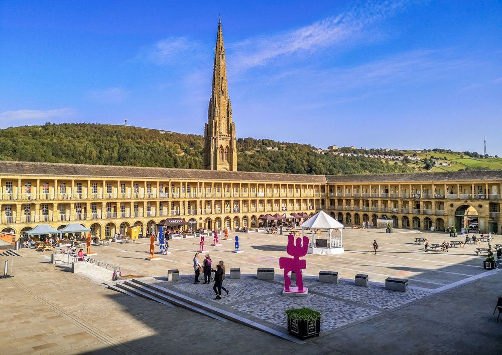 View of Piece Hall courtyard