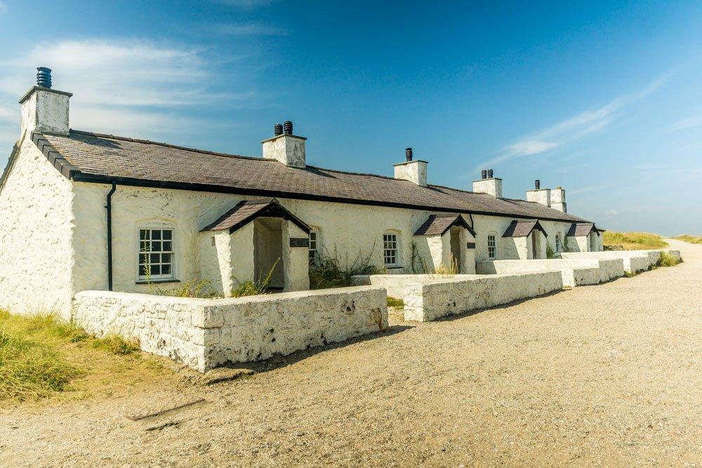 Pilots Cottages, Ynys Llanddwyn