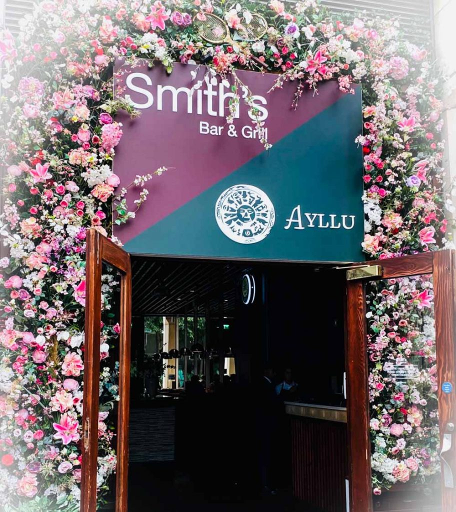 entrance to smiths bar & grill