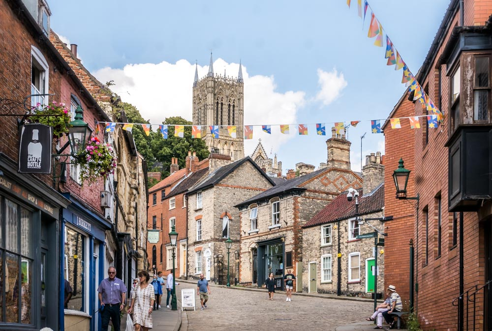 looking up steep hill lincoln